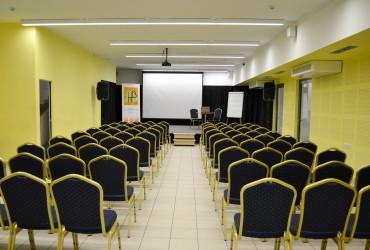 konferenciaterem11-370x250-1.jpg